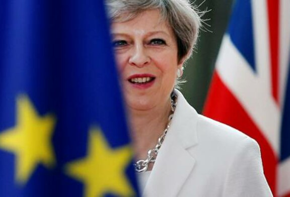 'Sacrificial Lamb': Tories Leave May in Charge Amid Brexit Meltdown