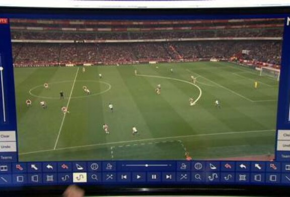 Jamie Carragher and Craig Bellamy analyse what went wrong for Spurs against Arsenal