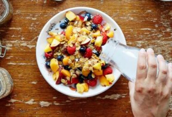 Eat your breakfast to prevent future weight gain, decrease chances of becoming obese